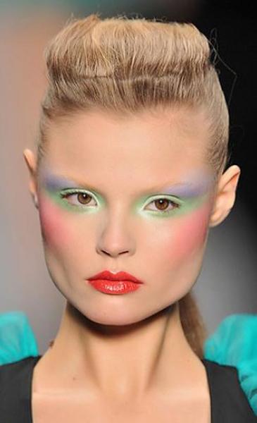 kadinimmutluyum_neon_makeup_makyaj