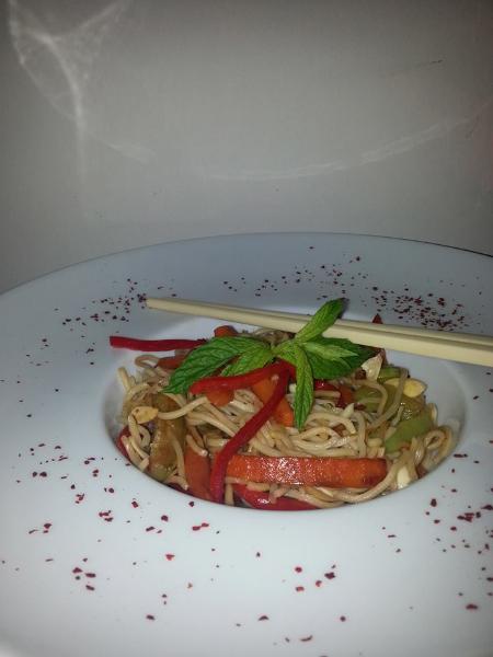 noodle-_tarifi_kadinimmutluyum_yemek_blogu3