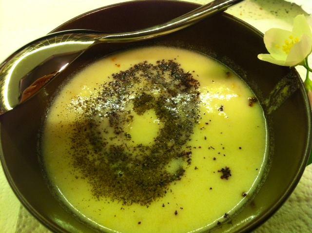 glutensiz_yogurtlu_corba_kadinimmutluyum
