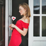 darya-kamalova-thecablook-fashion-lifestyle-russian-italian-blogger-wears-red-guess-dress-on-saint-valentines-day-outfil-with-red-lips-9461