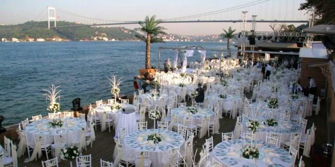 İstanbul'daki En İyi Boğaz Manzaralı 10 Düğün Mekanı